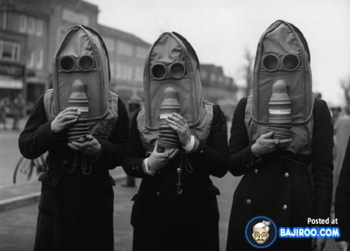 funny_strange_awesome_cool_amazing_creative_weird_gas_mask_pics_images_photos_pictures_7